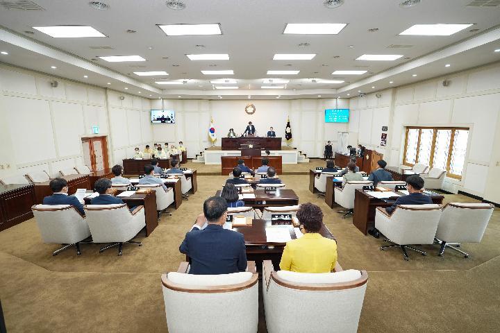 수성구의회는 10일 제236회 제1차 정례회를 시작으로 15일간의 의사일정에 들어갔다.